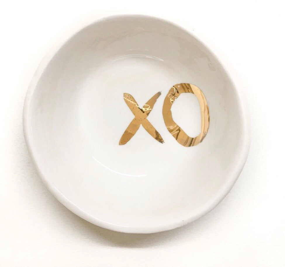 White Jewellery Bowl with Gold XO