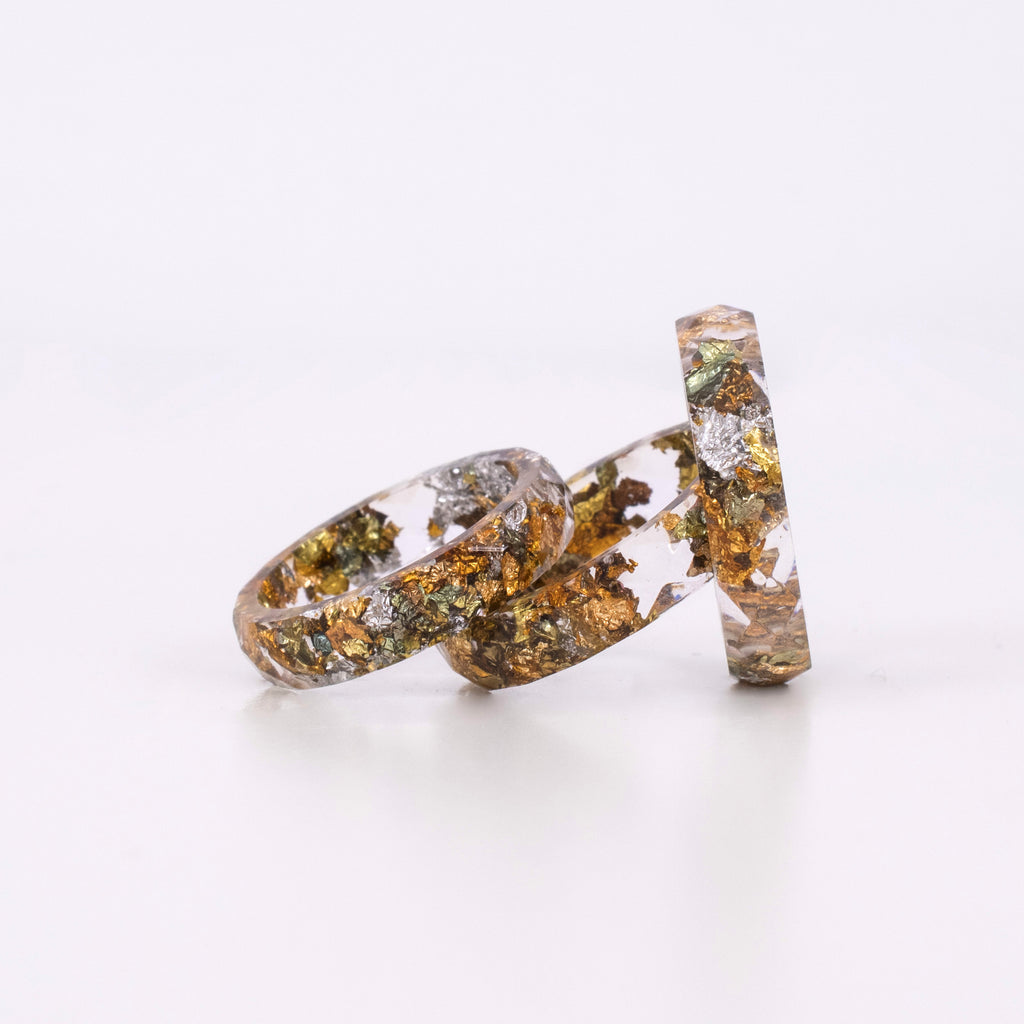 Transparent Ring With Mixed Flakes