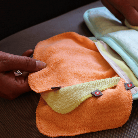 Close Pop-in Reusable Bamboo Wipes