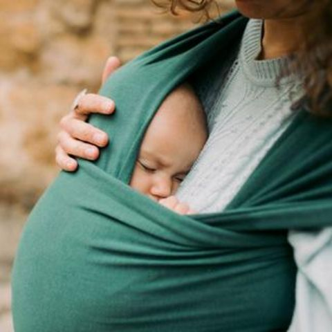 Babywearing - Wraps vs Soft-Structured Carriers