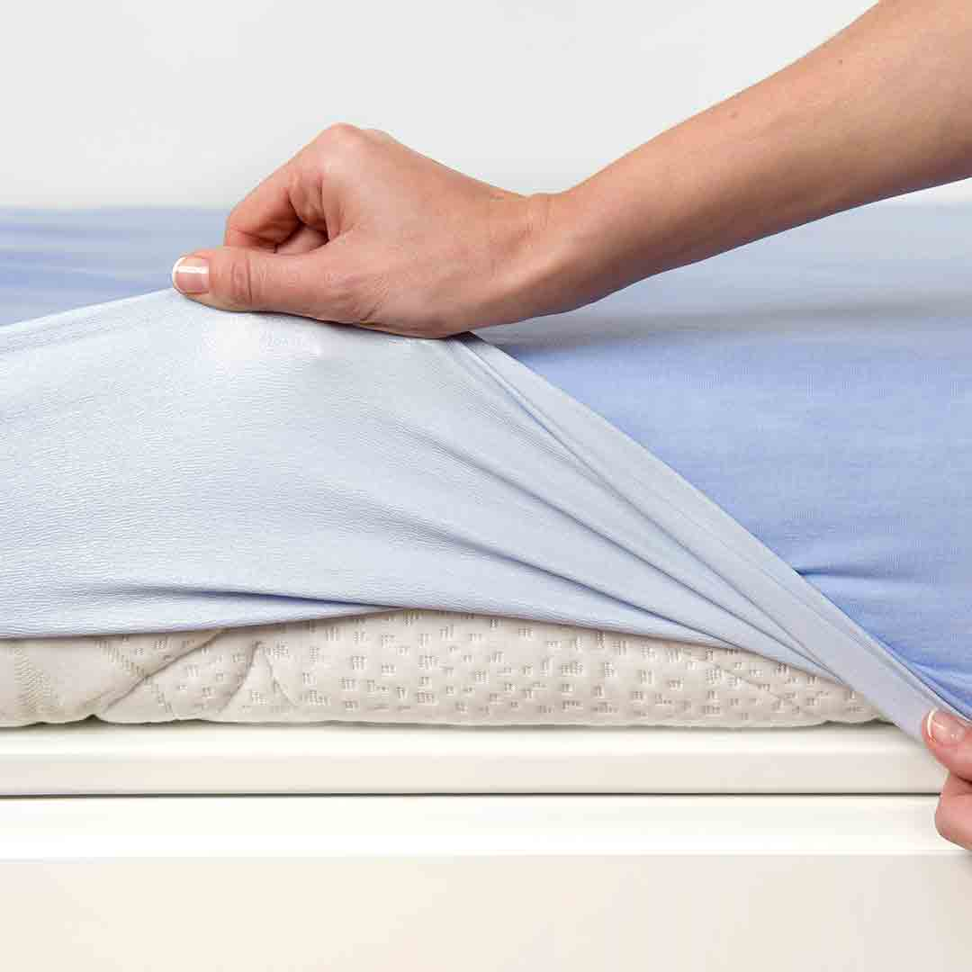 Bear Essentials Baby jersey cotton fitted sheet cot bed boy unisex 70x140cm blue