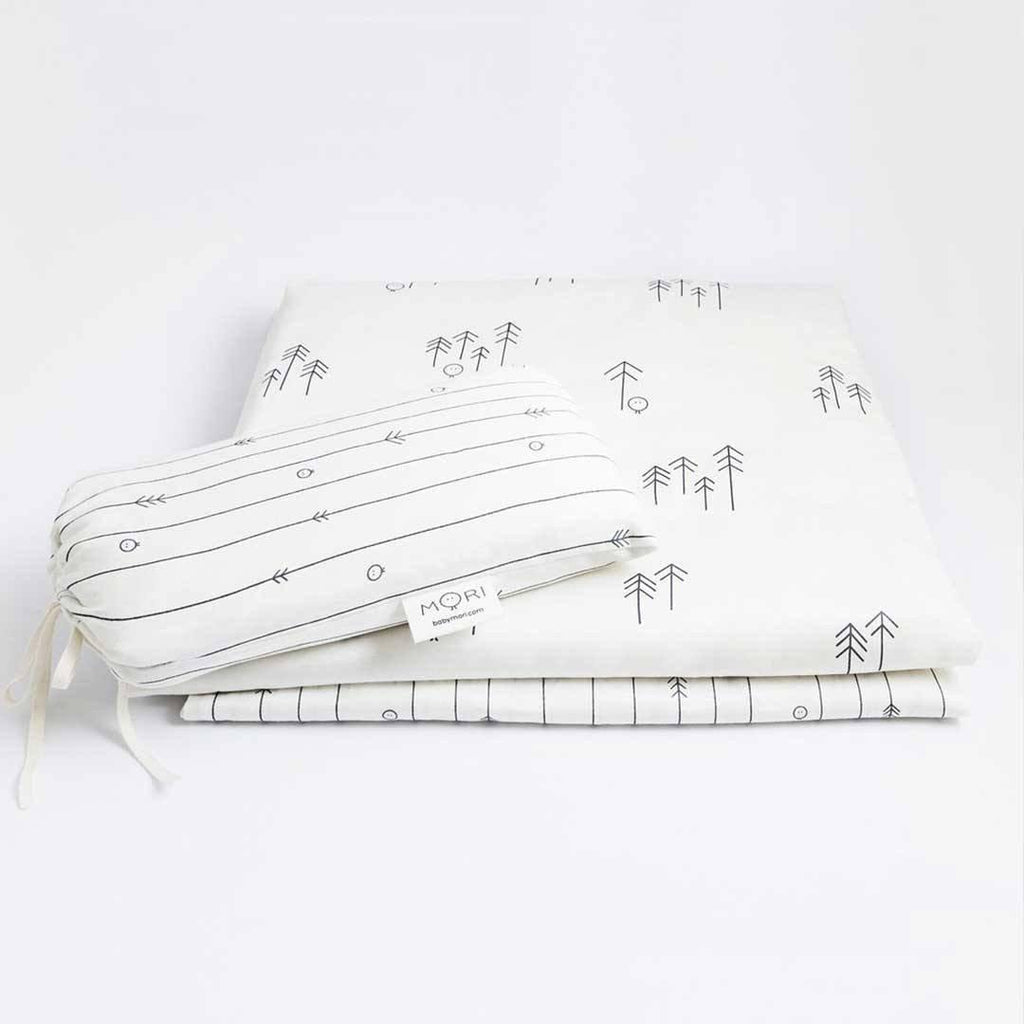 Baby Mori Cot Bed Fitted Sheets 2pc - Lapland Print + Rainforest Print travel bag