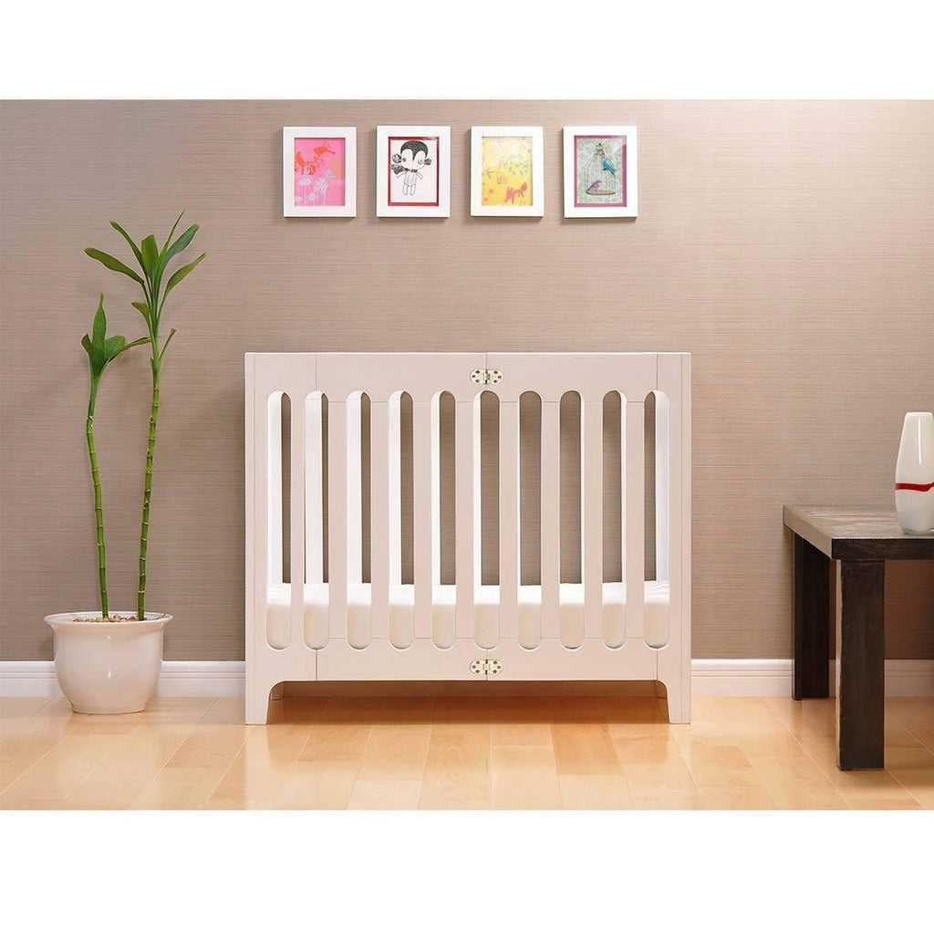 Bloom Alma Mini Crib - Coconut White Lifestyle
