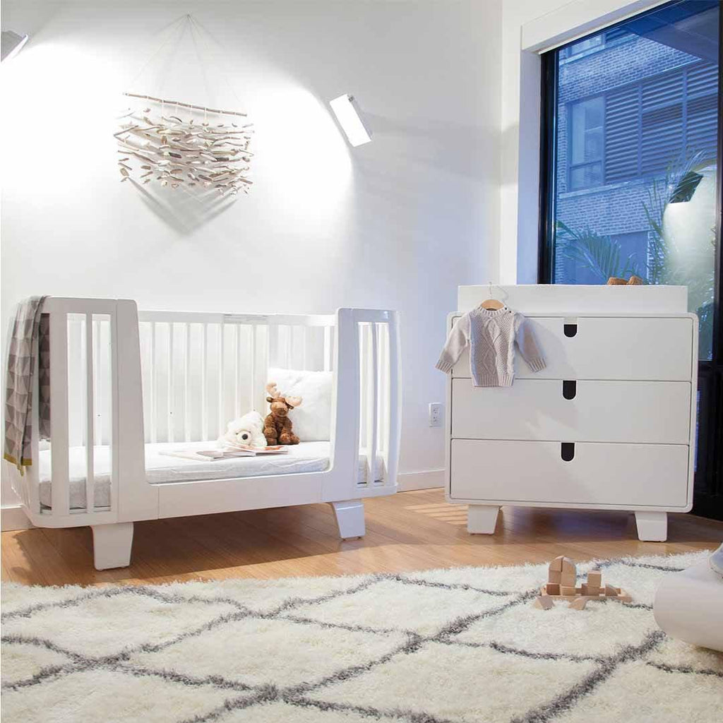 Bloom Retro Crib - Coconut White Lifestyle