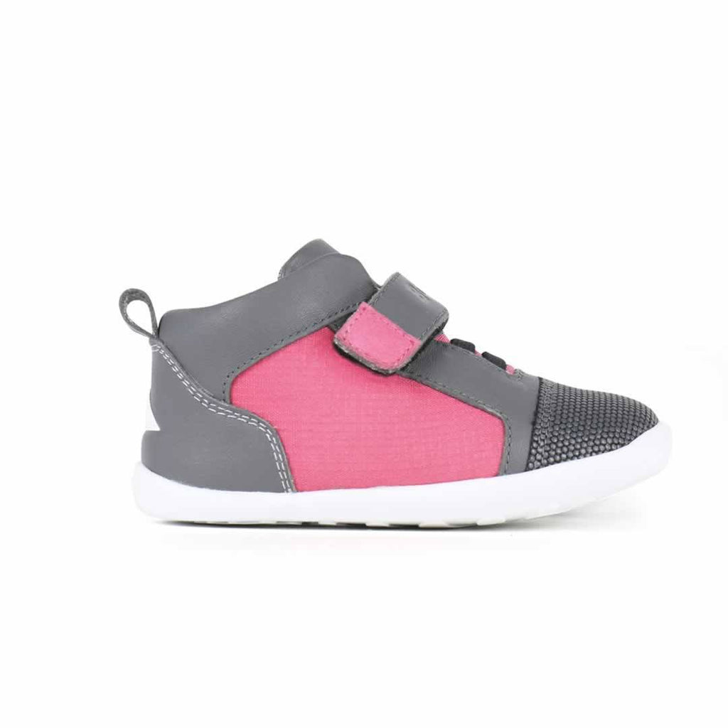 Bobux Step Up Tint Shoes in Fuchsia