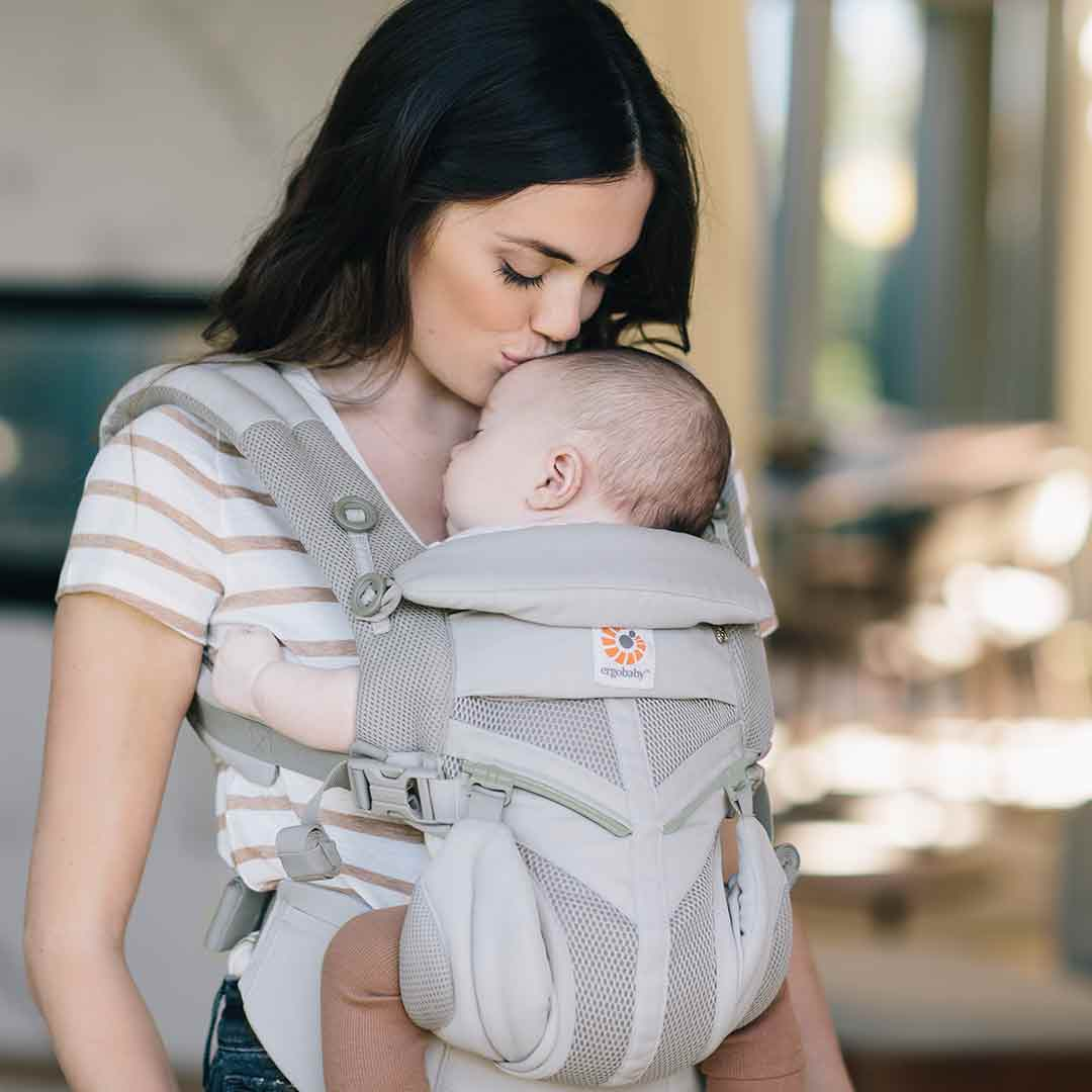 d38f190eff0 Ergobaby Omni 360 Cool Air Mesh Carrier in Pearl Grey – Natural Baby Shower