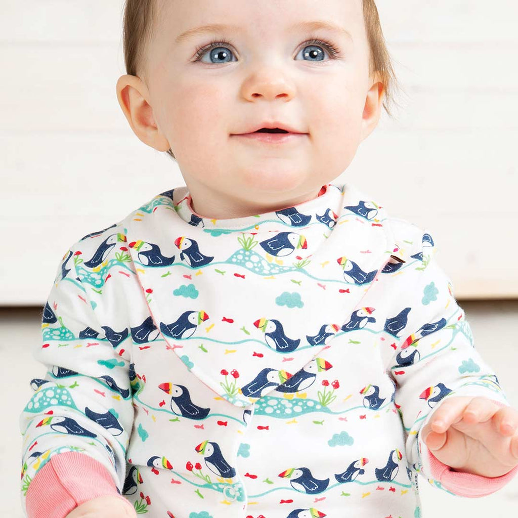 Frugi Reversible Dribble Bib - Soft White Puffin-Bibs-Soft White Puffin- Natural Baby Shower