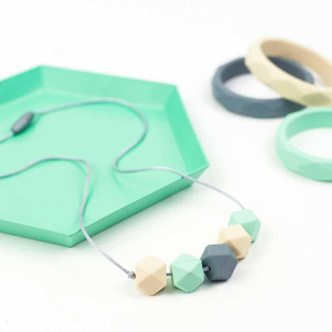 Little Magpies Jesse Teething & Nursing Necklace - Mint Pastels