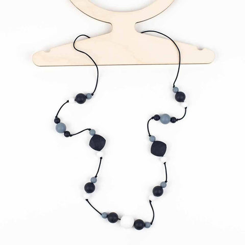 Little Magpies Ophelia Teething & Nursing Necklace Monochrome