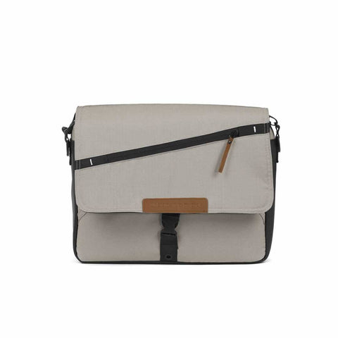 Mutsy Evo Nursery Bag in Urban Nomad Cream