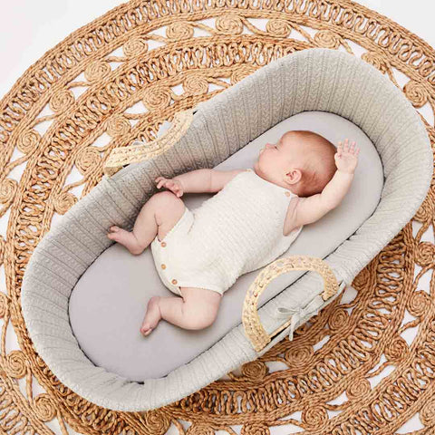 The Little Green Sheep Organic Knitted Moses Basket & Mattress - Dove-Moses Baskets- Natural Baby Shower