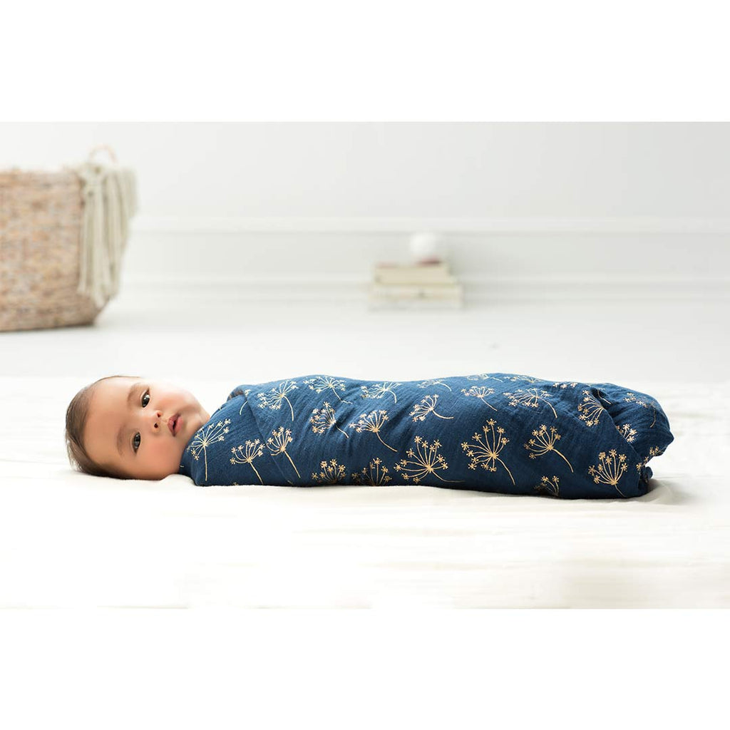 aden + anais Muslin Swaddles - Metallic Gold Deco 3 Pack Lifestyle