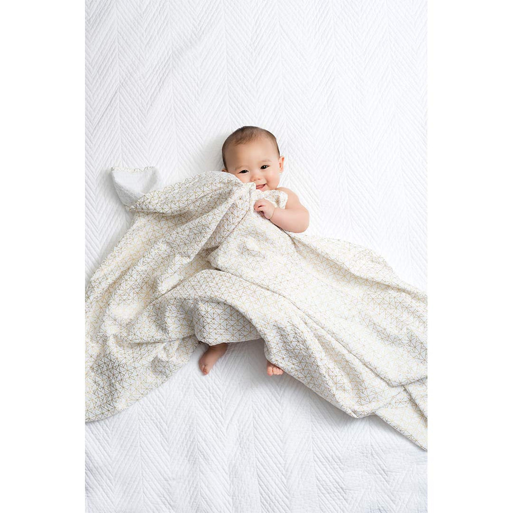 aden + anais Muslin Swaddles - Metallic Gold Deco - 3 Pack Lifestyle