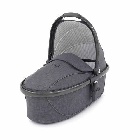 egg Carrycot - Gun Metal with Quantum Grey