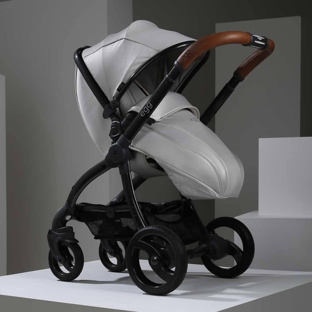 egg Stroller in Gun Metal with Jurassic Cream