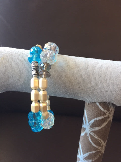 Magnetic Bracelet with pearls and glass beads