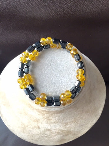 Magnetic black onyx bracelet/anklet with golden glass beads