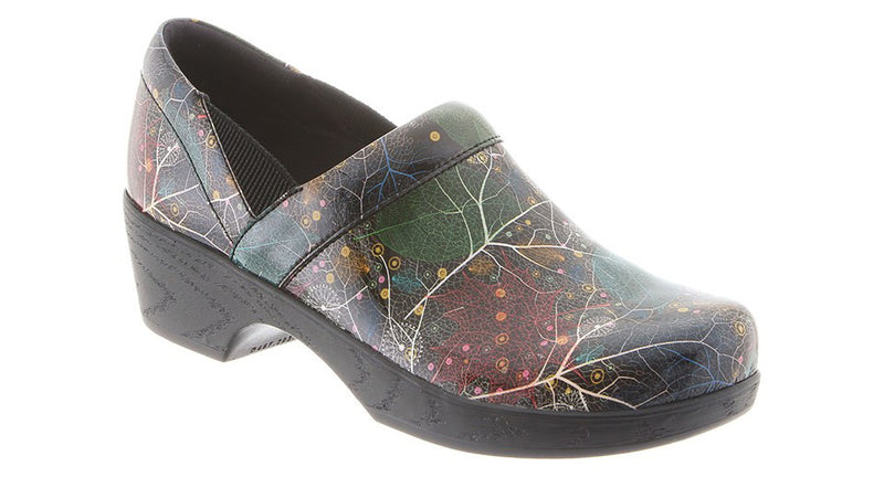 Klogs Women's Portland woodland patent leather