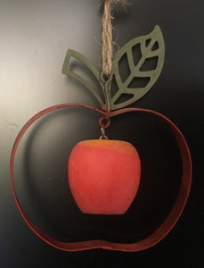 Metal frame apple with wooden hanging apple (10cm)