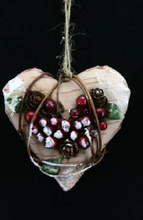 Load image into Gallery viewer, Birchwood star & heart with berry 10cm