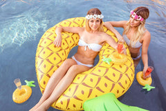 fun pineapple bride drink floats for wedding or bachelorette party