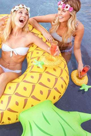 pineapple drink floaties for bachelorette party