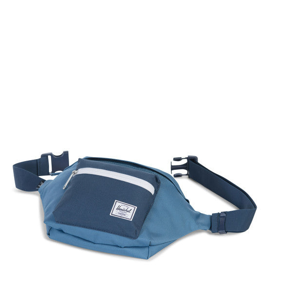 HERSCHEL SEVENTEEN HIP PACK IN CAPTAIN'S BLUE AND NAVY  - 3