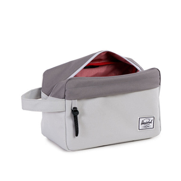 HERSCHEL CHAPTER TRAVEL KIT IN LUNAR ROCK AND GREY  - 3