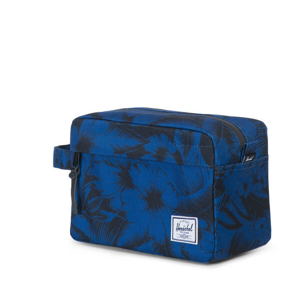 HERSCHEL CHAPTER TRAVEL KIT IN JUNGLE FLORAL BLUE  - 2