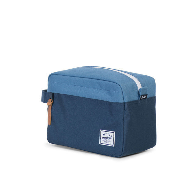 HERSCHEL CHAPTER TRAVEL KIT IN NAVY AND CAPTAIN'S BLUE  - 2