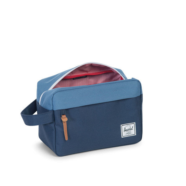 HERSCHEL CHAPTER TRAVEL KIT IN NAVY AND CAPTAIN'S BLUE  - 3