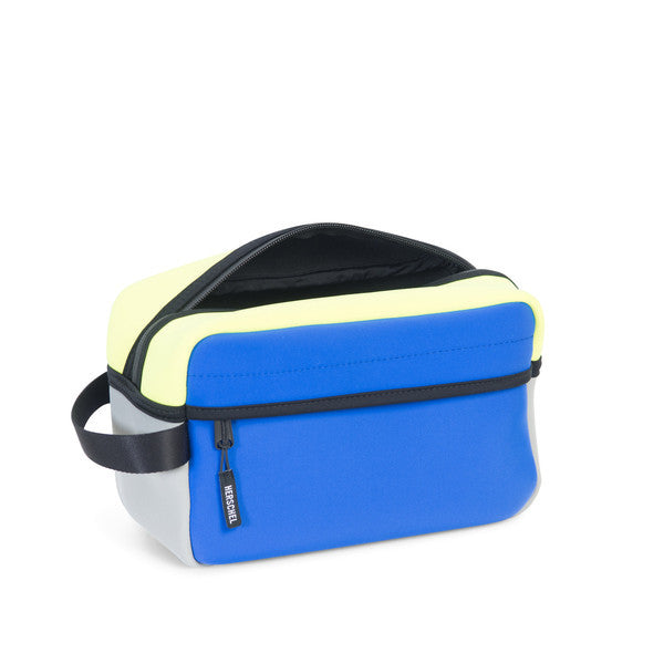 HERSCHEL CHAPTER TRAVEL KIT IN COBALT GREY NEON LIME NEOPRENE  - 2