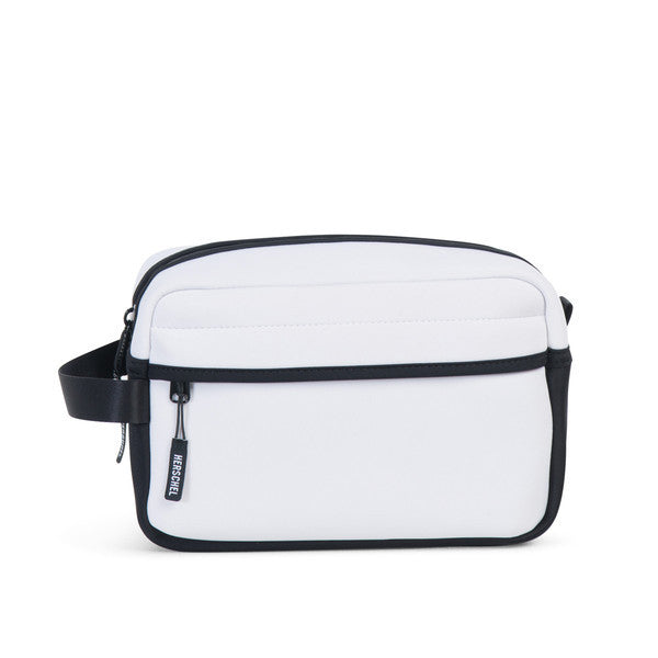 HERSCHEL CHAPTER TRAVEL KIT IN WHITE NEOPRENE