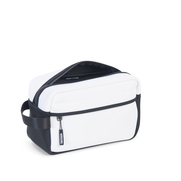 HERSCHEL CHAPTER TRAVEL KIT IN WHITE NEOPRENE  - 3