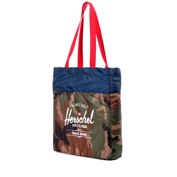HERSCHEL PACKABLE TOTE IN WOODLAND CAMO  - 2