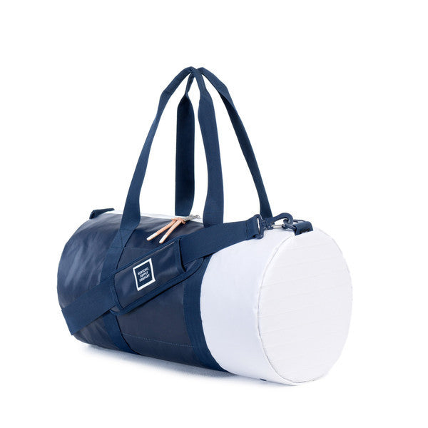 HERSCHEL SUTTON DUFFLE BAG IN NAVY AND DRESS BLUES POLYCOAT  - 2