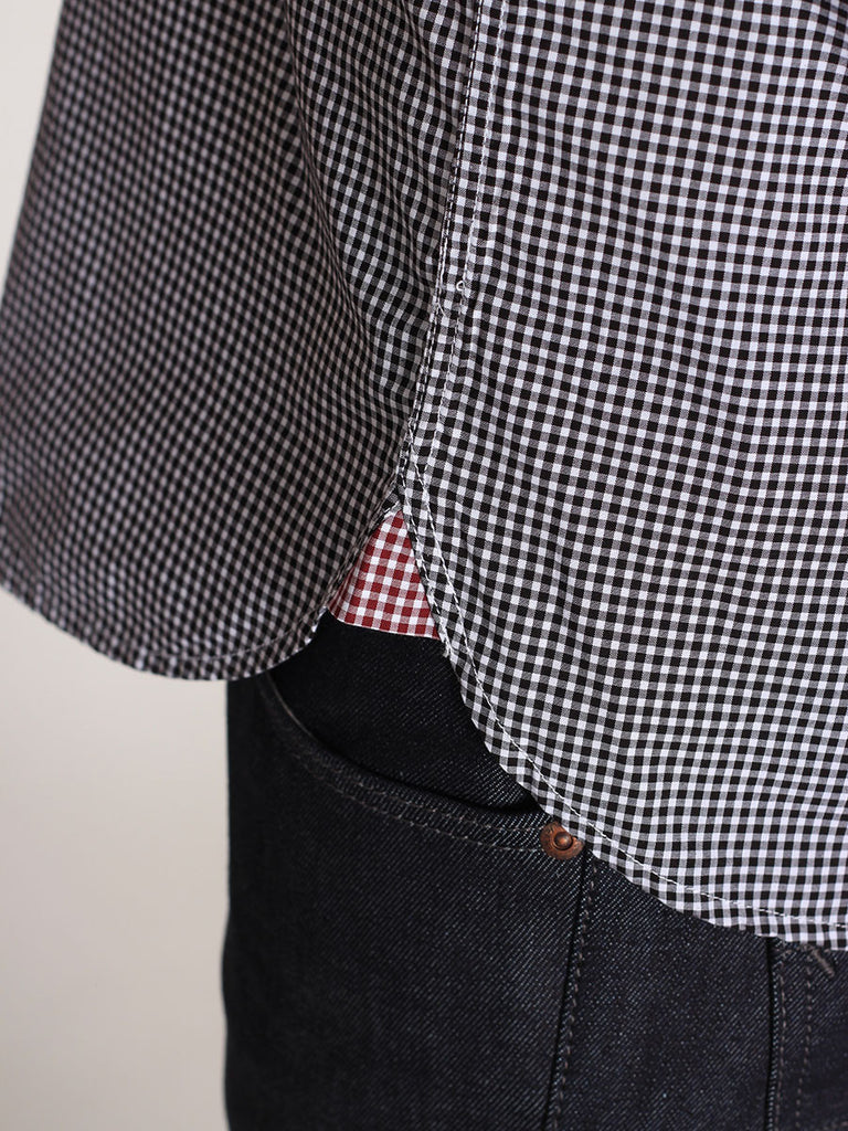 FRED PERRY CLASSIC GINGHAM SHIRT IN BLACK  - 5