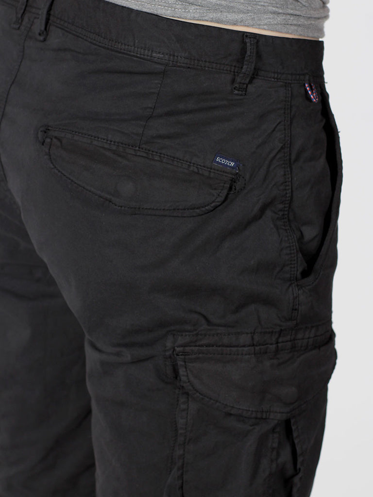 SCOTCH & SODA BASIC CARGO SHORTS IN BLACK  - 4
