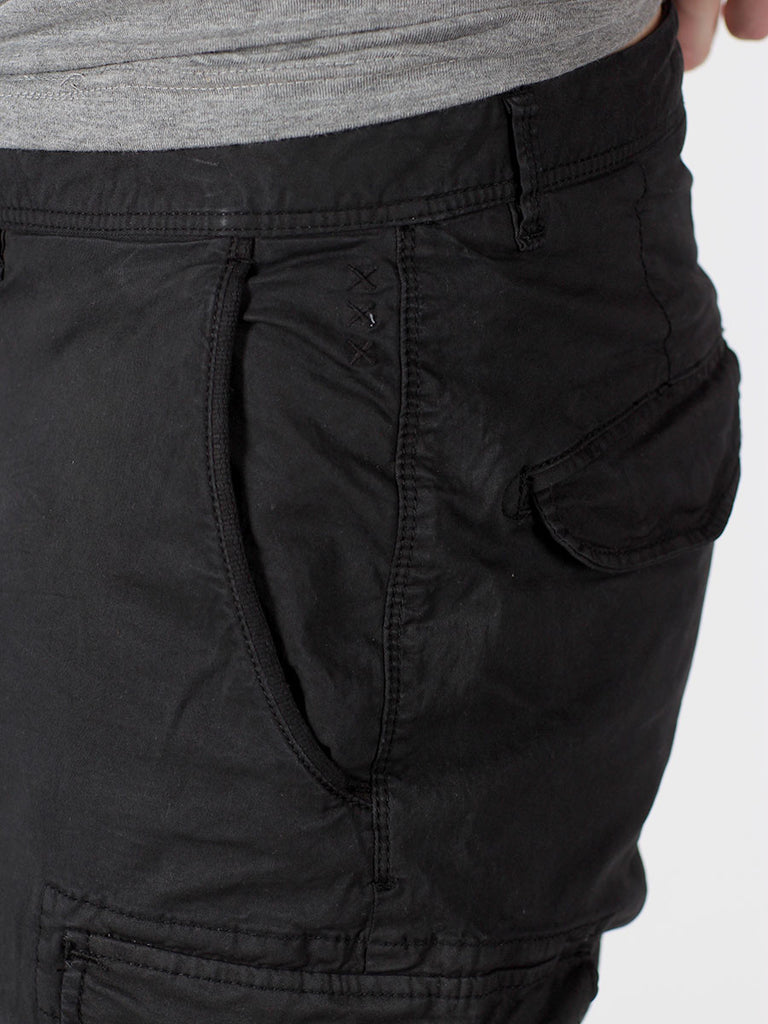 SCOTCH & SODA BASIC CARGO SHORTS IN BLACK  - 5