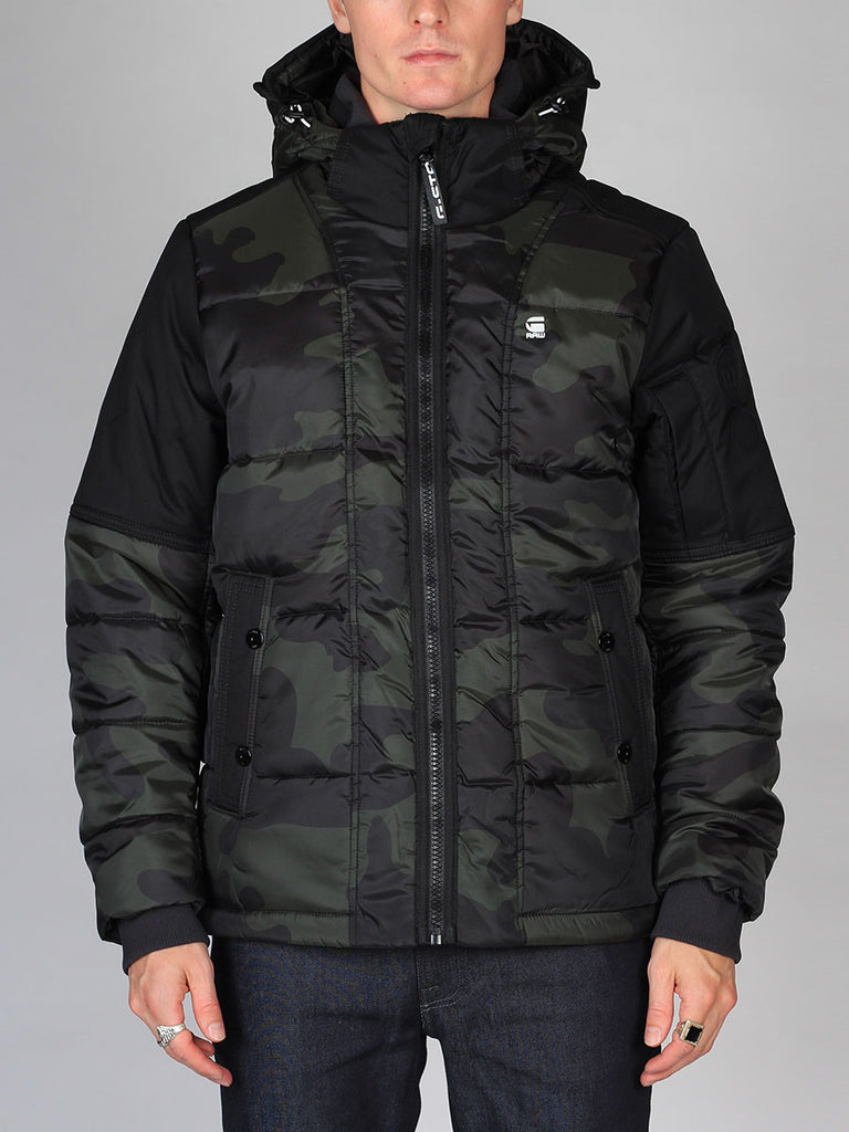Best Fall Mens Outfits and Urban Style G-Star Whistler Hooded Camo Jacket in Asfalt and Carbon Front Closed