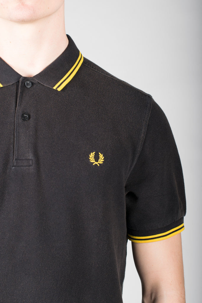 FRED PERRY SLIM FIT TWIN TIPPED SHIRT IN OZONE BLACK AND YELLOW  - 4