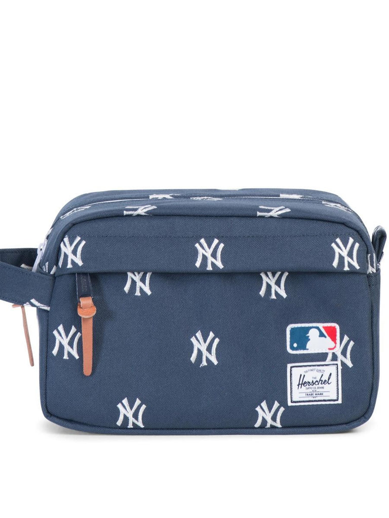 HERSCHEL SUPPLY CO X MLB NY YANKEES CHAPTER TRAVEL KIT  - 1
