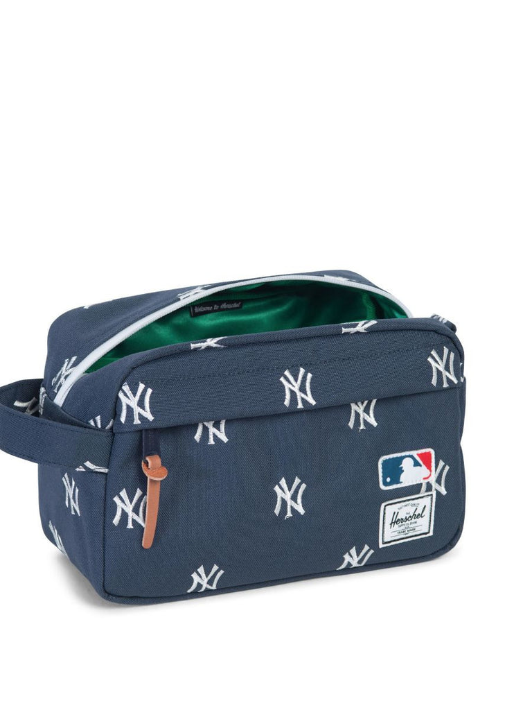 HERSCHEL SUPPLY CO X MLB NY YANKEES CHAPTER TRAVEL KIT  - 2