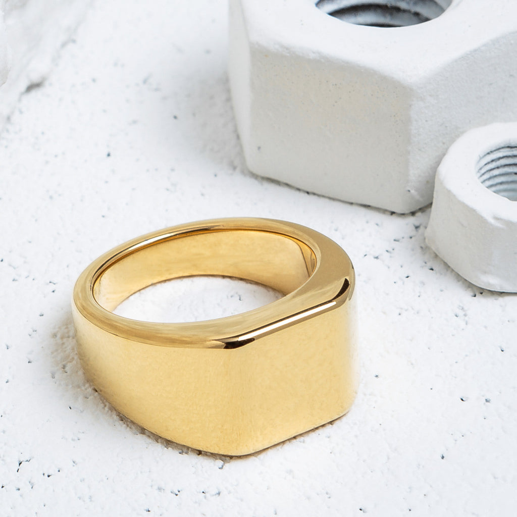 VITALY LOURD RING IN GOLD  - 2