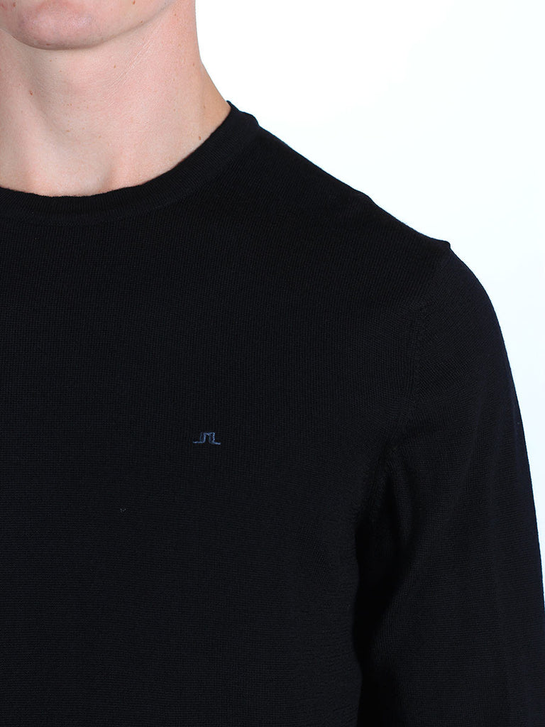Shop mens knitwear and the best in mens fall fashion at BoysCo J Lindeberg Lyle True Merino Sweater in Black Detail