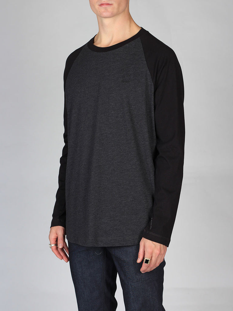 The Best Streetwear Brands and Urban Style G-Star Tarev Longsleeve T-shirt in Black and Charcoal Side