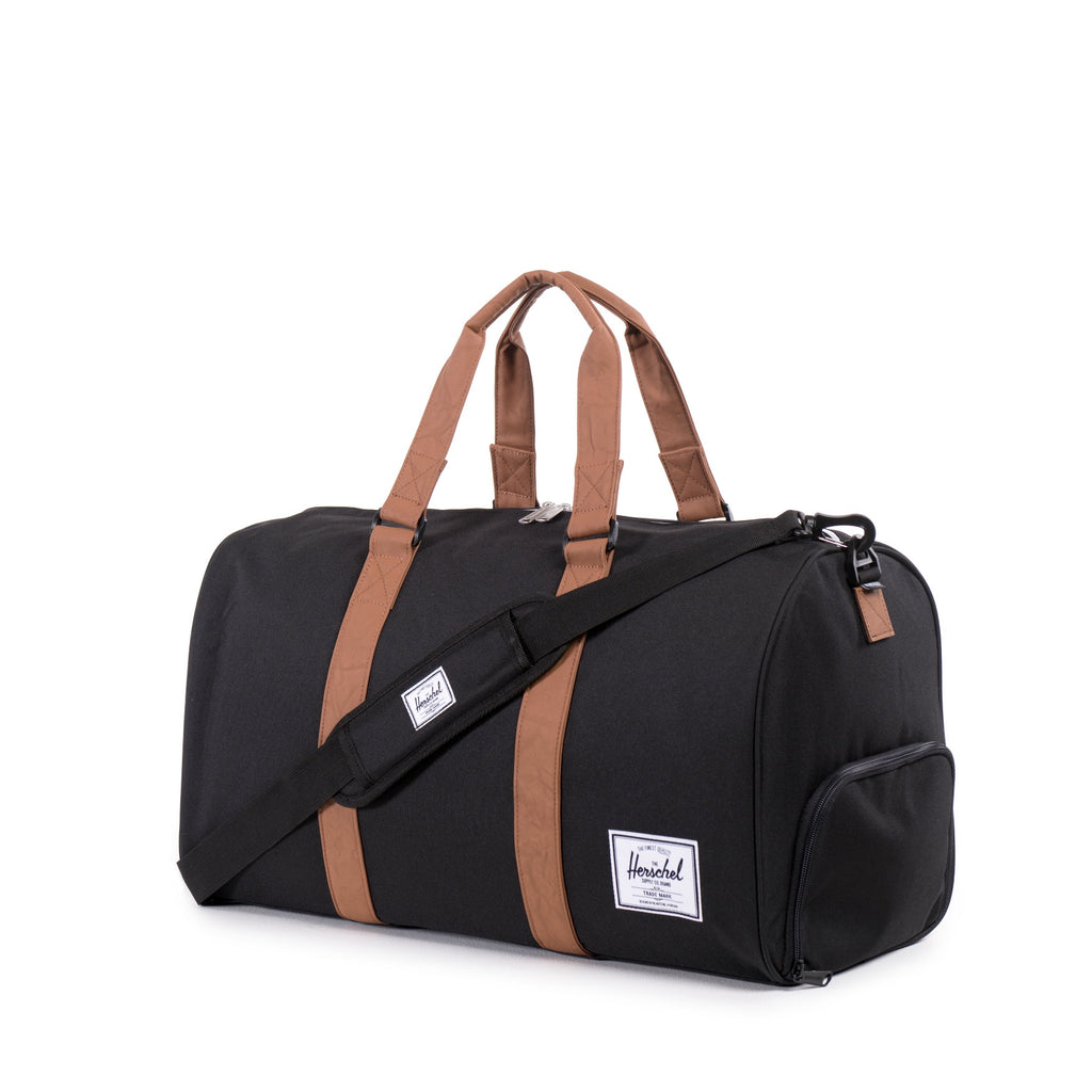 HERSCHEL NOVEL DUFFLE BAG IN BLACK  - 2