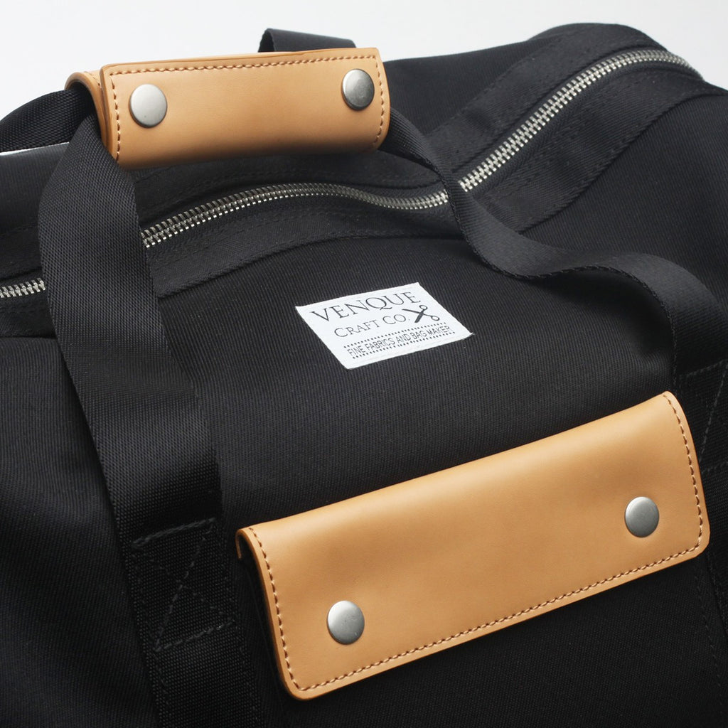 VENQUE DUFFLE 1.0 BAG IN BLACK WITH BROWN LEATHER  - 6