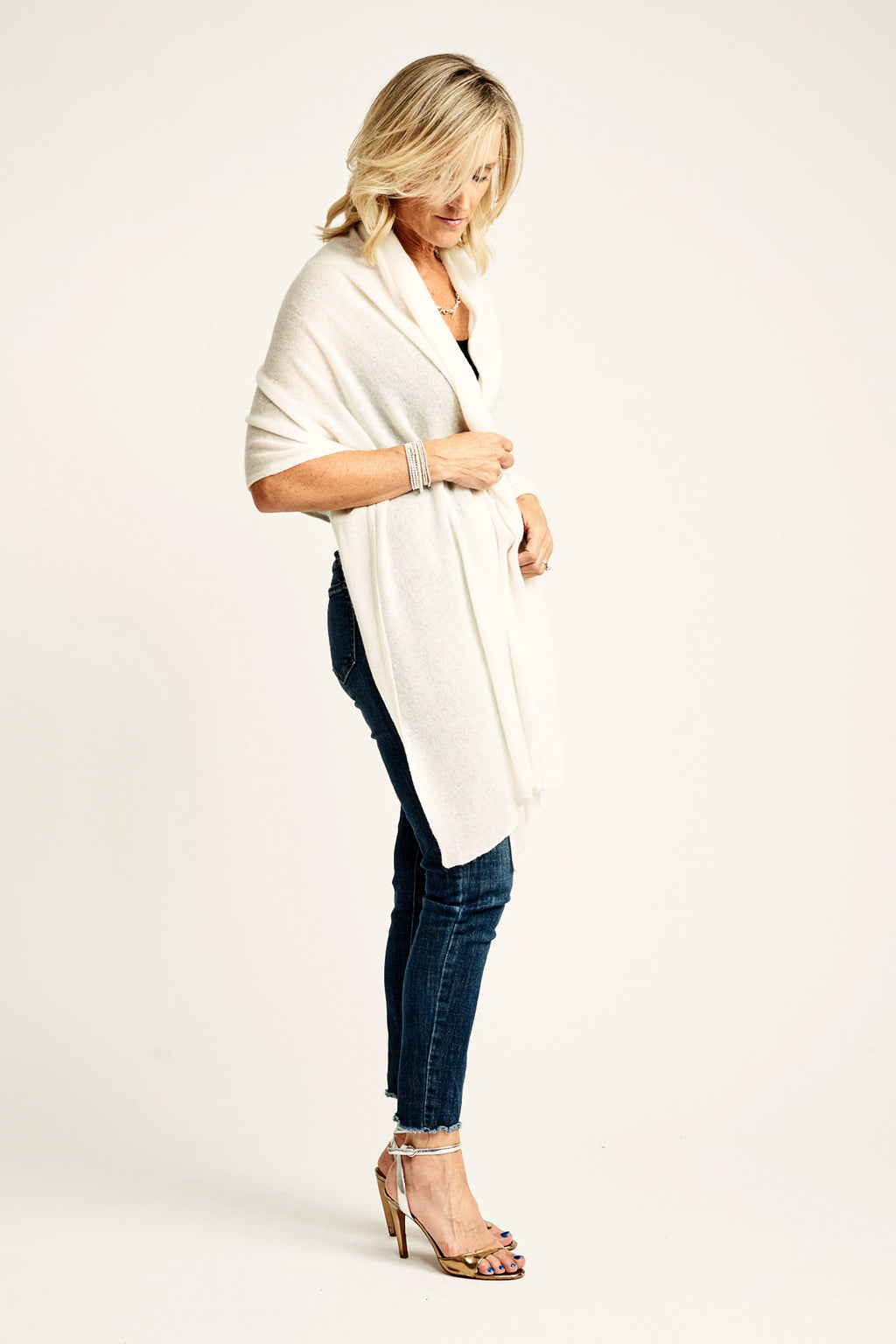 Cream Lightweight Wrap | 100% Cashmere - Cashmere - Queen & Grace