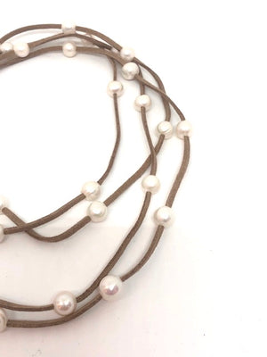 Leather + Pearl Necklace | Beige + White